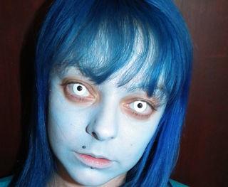 maquillaje-para-halloween-2014-novia-cadaver-paso-a-paso-base-azul