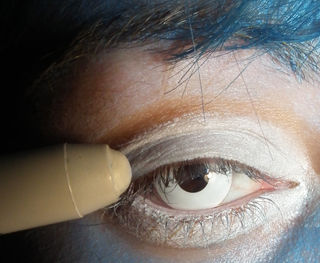 maquillaje-para-halloween-2014-novia-cadaver-paso-a-paso-ojos