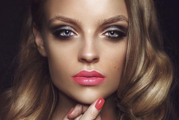 maquillaje-segun-color-de-piel-tez-dorada