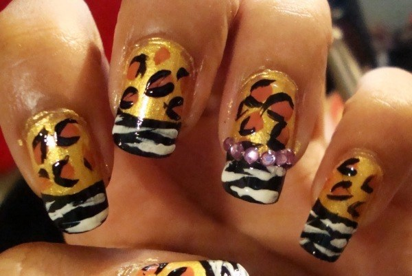uñas-de-animal-print para-halloween-2014
