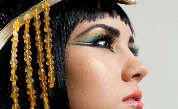 maquillaje-cleopatra-Halloween-2015-detalle-de-los-ojos