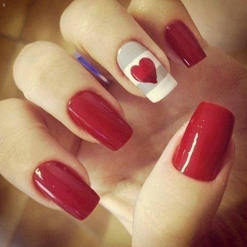 tendencias-maquillaje-san-valentin-unas-rojas