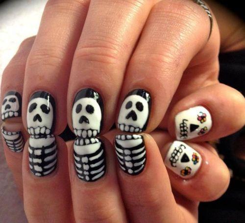 unas-halloween-blanco-negro-estampado