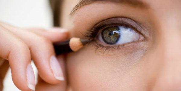 delineado-de-ojos-marron