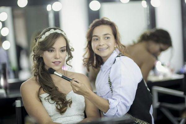 mejores-fijadores-de-maquillaje-para-comprar-novia-maquillaje