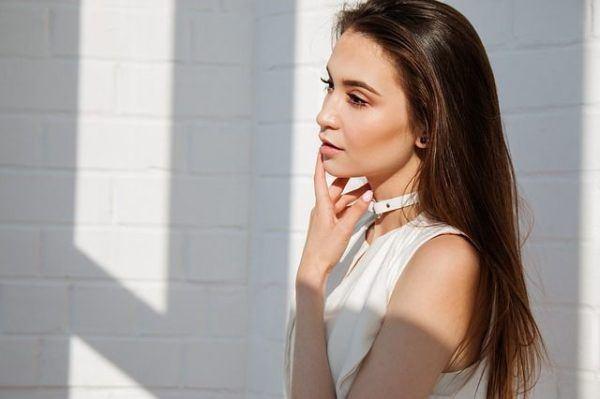 tecnica-de-maquillaje-tantouring-mujer-de-blanco