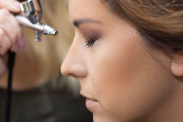 maquillaje-con-aerografo-modelo1
