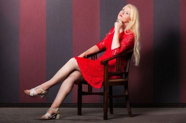 maquillaje-para-vestido-rojo-negro-o-azul-rojo