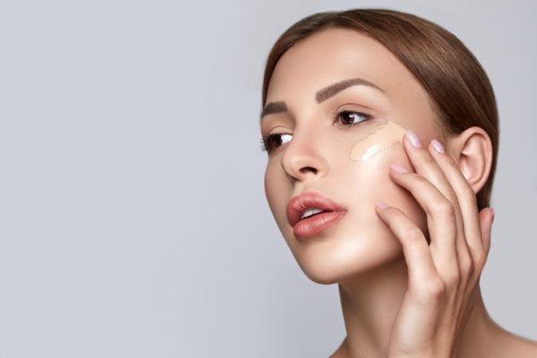 Como elegir la mejor base de maquillaje para tu rostro  liquida