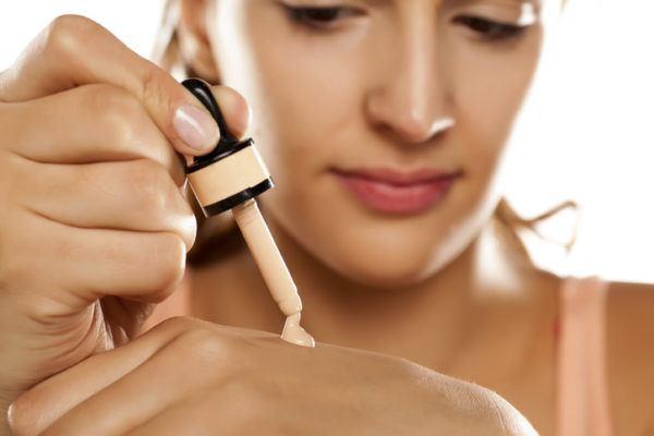 Como elegir la mejor base de maquillaje para tu rostro probar