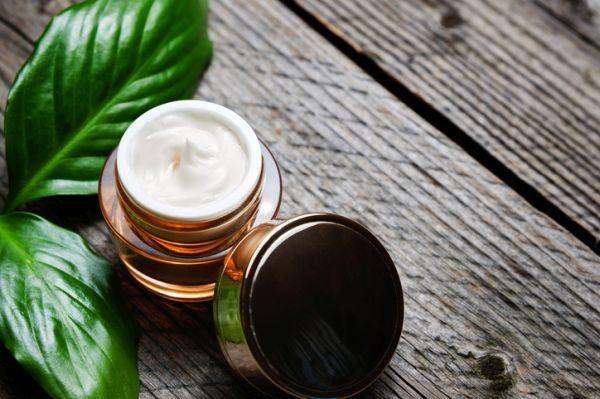 evitar-el-moho-en-la-cosmetica-natural-istock2