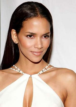 halle_berry2_narrowweb__300x4230