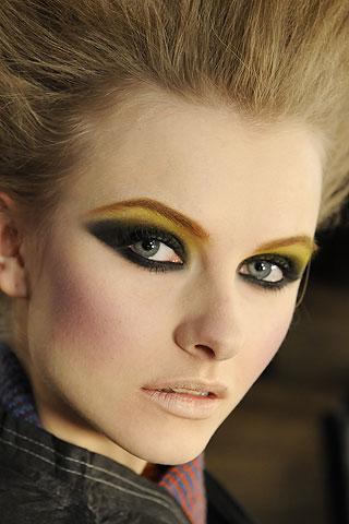 maquillaje de años 80
