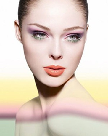 Como combinar el maquillaje con un vestido verde- actualizacion