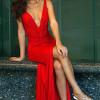 ¿Cómo me maquillo si llevo un vestido rojo?