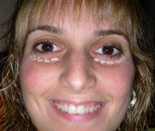 Maquillaje con ojos en tonos grises paso a paso