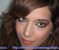 Maquillaje sofisticado con toque de rojo, paso a paso