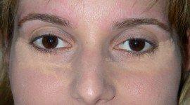 Te contamos paso a paso cómo conseguir unos ojos smokey morado
