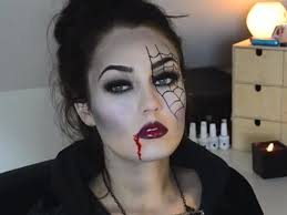 maquillaje-de-vampiresa-2014-ojo-efecto-telaraña