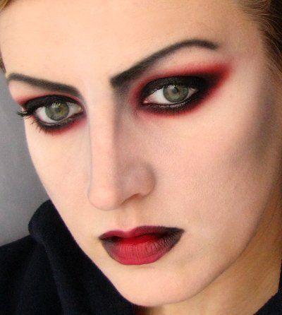 Maquillaje de vampiresa 2014 ojos sombra roja negra labios rojos oscuros maquillajerossa Maquillage de diablesse facile a faire