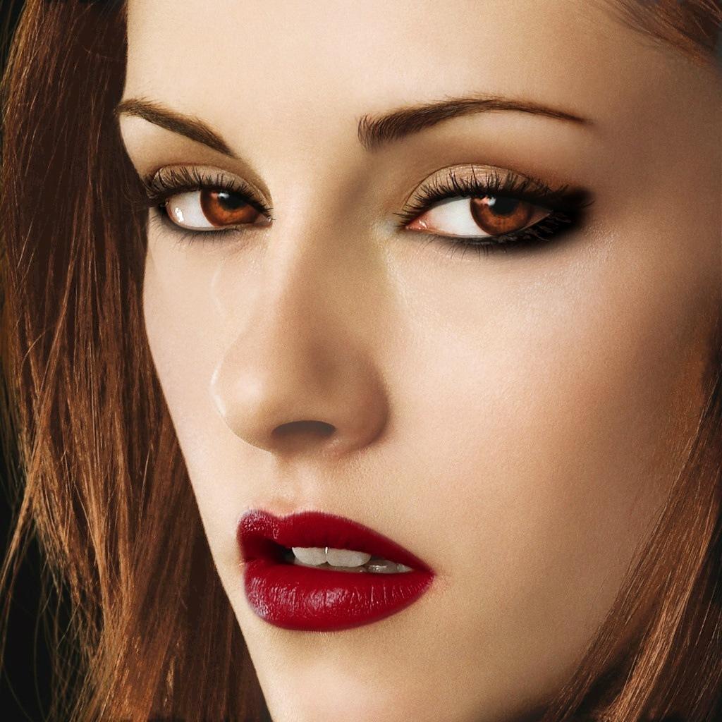 maquillaje-de-vampiresa-halloween-2014-ojos