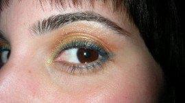 Sombras en amarillo, naranja y azul