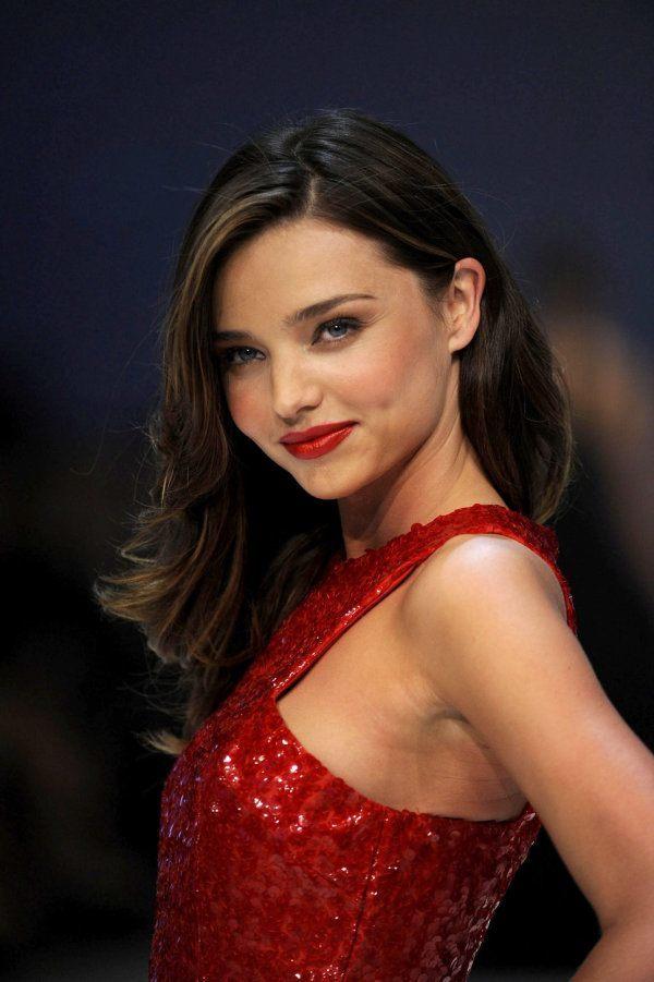 ¿Cómo me maquillo si llevo un vestido rojo? - MaquillajeRossa Miranda Kerr
