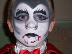 maquillaje-para-ninos-en-halloween-2014-maquilllaje-vampiro-niño