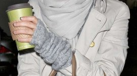La manicura francesa en negro de Jessica Alba