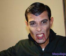 Look Invitado Edgar: ¡Vampiro!