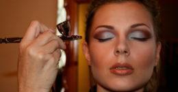 Cómo se hace el maquillaje con aerógrafo: ventajas y desventajas
