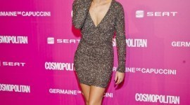 Cosmopolitan cumple 20 años, y los famosos se maquillan para su photocall así