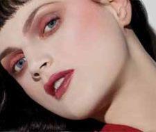 La nueva tendencia: sombra de ojos roja
