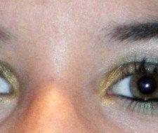 Maquillaje de graduación para ojos verdes