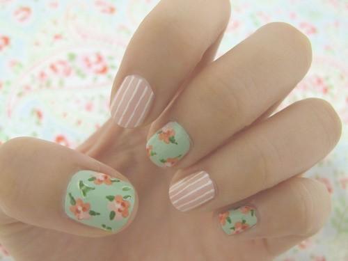 La decoración de uñas para novias 2018