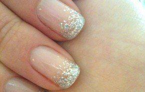 La decoración de uñas para novias 2015