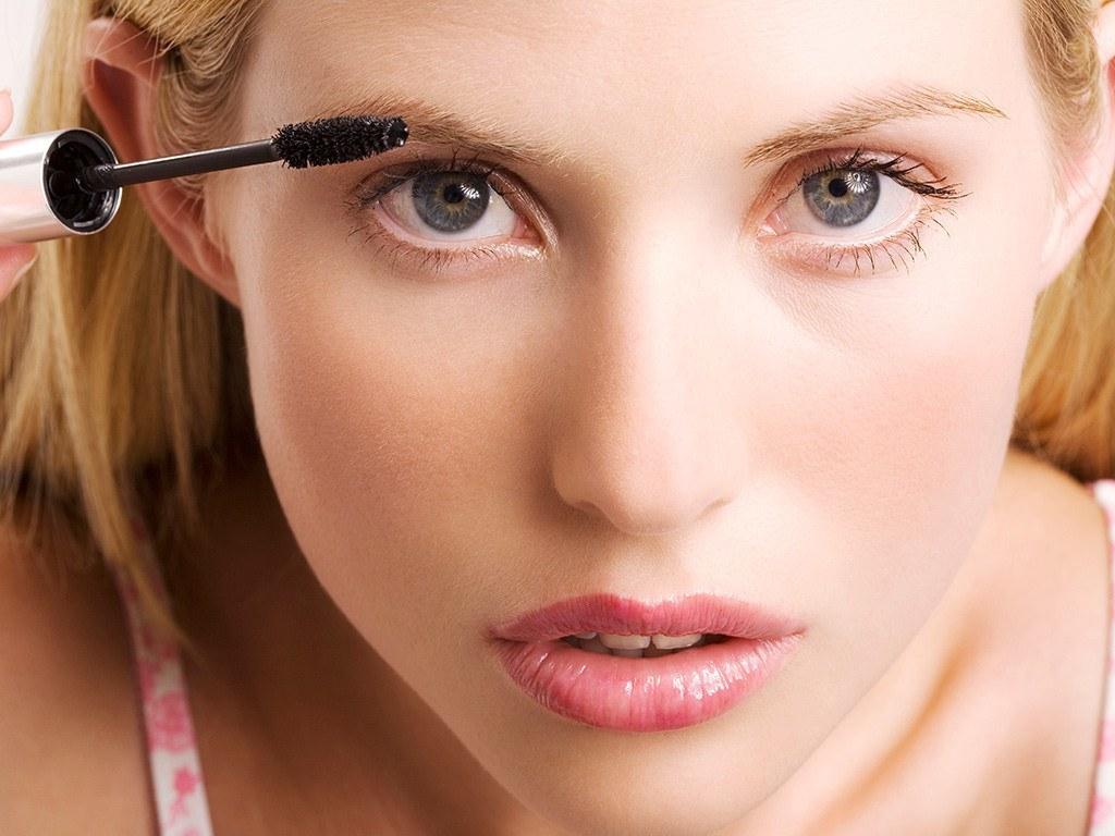 maquillaje-para-tu-graduacion-maquillaje-perfecto-labios-rosas-rostro-natural