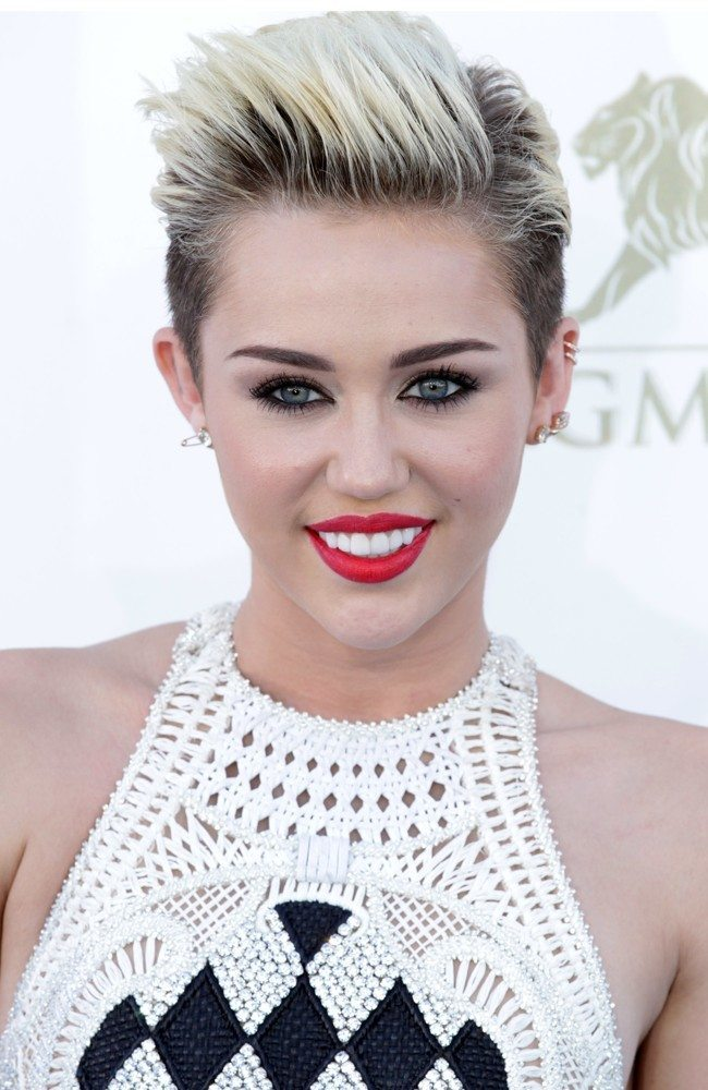 miley-cyrus-2013-billboard-music-awards