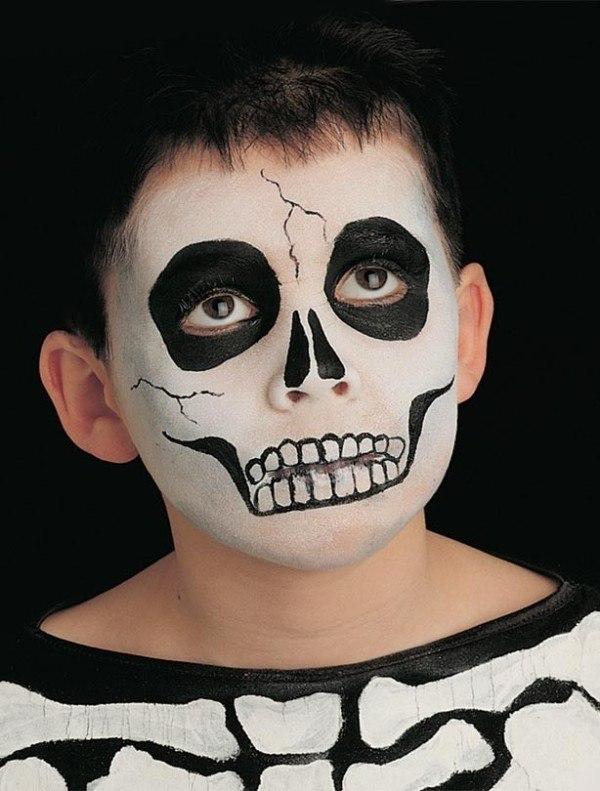 Maquillaje infantil de esqueleto para Carnaval 2015