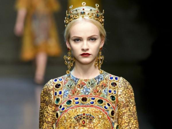 maquillaje-medieval-carnaval-2016-labios-morados