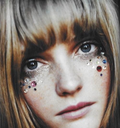 maquillaje-de-hippie-paso-a-paso-IDEAS-brillantes