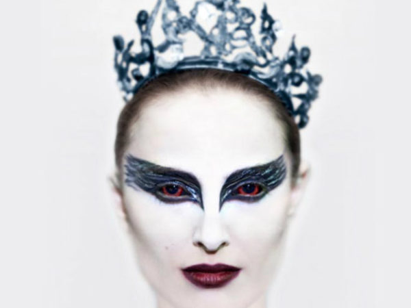 maquillaje-halloween-base-blanca-cisne-negro