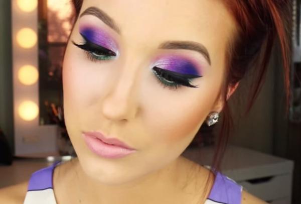 maquillaje-para-un-vestido-morado-intenso