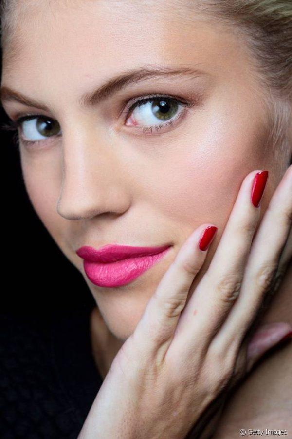 tendencias-maquillaje-san-valentin-labios-rosas