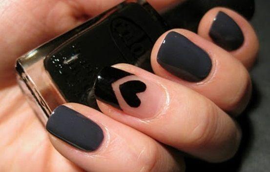 tendencias-maquillaje-san-valentin-unas-oscuras