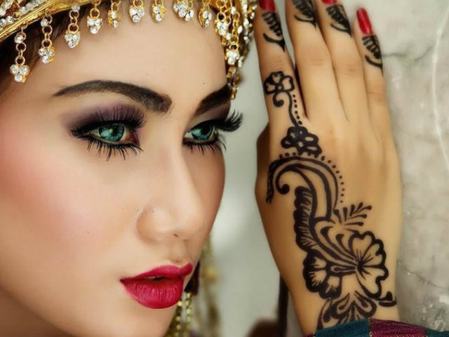 maquillaje de mujer arabe