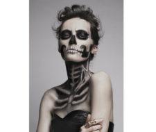 Maquillaje para disfrazarse de esqueleto en Halloween 2017