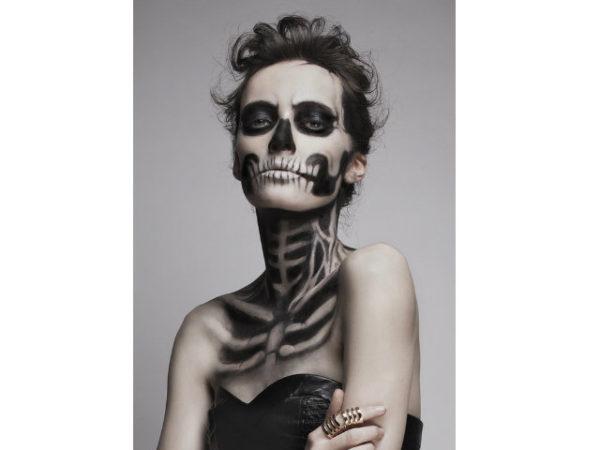 maquillaje-halloween-esqueleto-cara-y-curerpo
