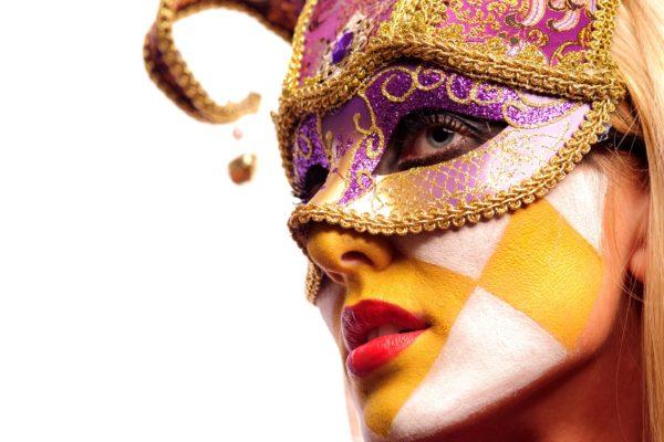 maquillaje-para-acompanar-mascara-veneciana-halloween-2016-bufon