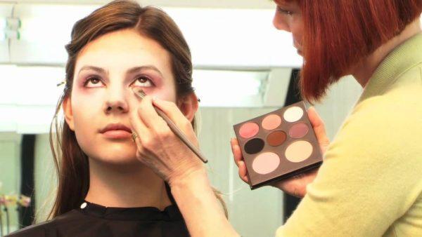 maquillaje-para-disfrazarse-de-princesa-medieval-halloween-2016-paso-a-paso